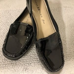 Black Patent Leather Shoes/Flats